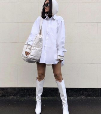 Oversized button white